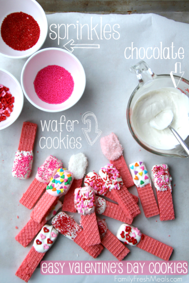 DIY Valentines Day Cookies - Easy Valentine's Day Cookies - Easy Cookie Recipes and Recipe Ideas for Valentines Day - Cute DIY Decorated Cookies for Kids, Homemade Box Cookies and Bouquet Ideas - Sugar Cookie Icing Tutorials With Step by Step Instructions - Quick, Cheap Valentine Gift Ideas for Him and Her http://diyjoy.com/diy-valentines-day-cookie-recipes