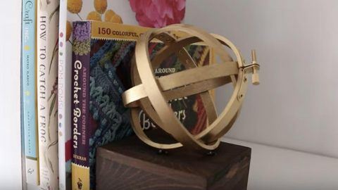 Watch How They Make This Super Cool Bookend Out Of Embroidery Hoops! | DIY Joy Projects and Crafts Ideas