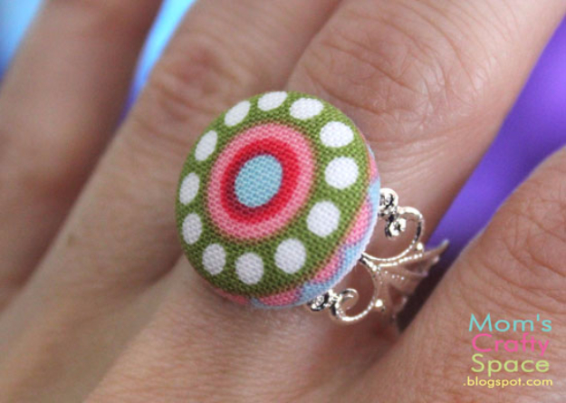 DIY Projects and Crafts Made With Buttons - Fabric Button Accessories - Easy and Quick Projects You Can Make With Buttons - Cool and Creative Crafts, Sewing Ideas and Homemade Gifts for Women, Teens, Kids and Friends - Home Decor, Fashion and Cheap, Inexpensive Fun Things to Make on A Budget