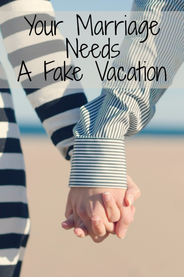 DIY Date Night Ideas - Fake Vacation Date Night - Creative Ways to Go On Inexpensive Dates - Creative Ways for Couples to Spend Time Together creative date nights diy idea