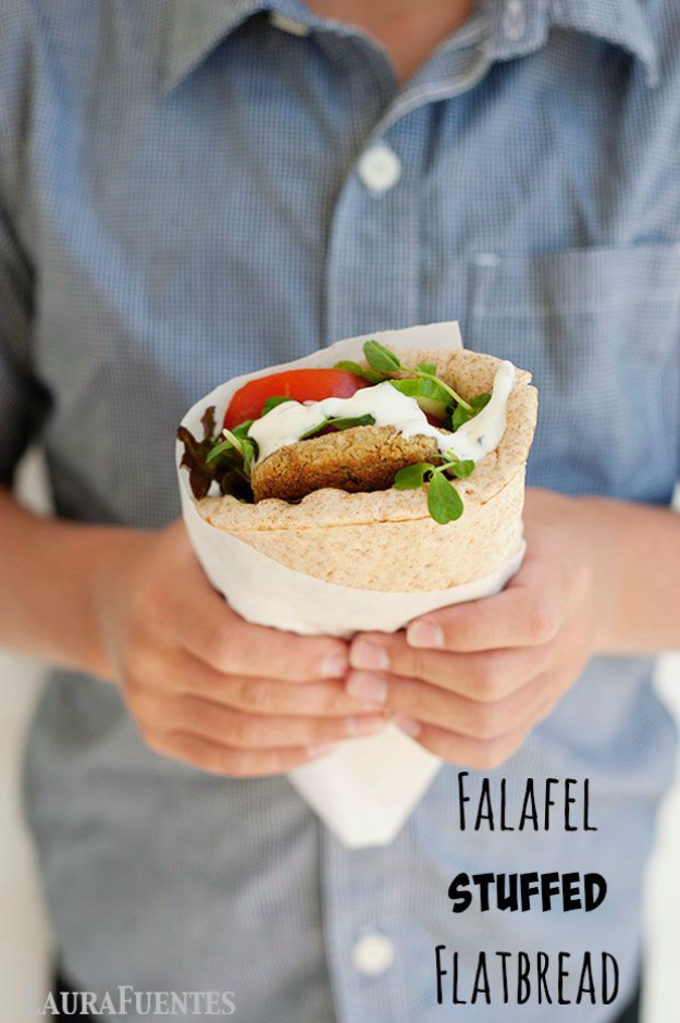 Healthy Lunch Ideas for Work - Falafel Stuffed Flatbread With Tzatziki Sauce - Quick and Easy Recipes You Can Pack for Lunches at the Office - Lowfat and Simple Ideas for Eating on the Job - Microwave, No Heat, Mason Jar Salads, Sandwiches, Wraps, Soups and Bowls http://diyjoy.com/healthy-lunch-ideas-work