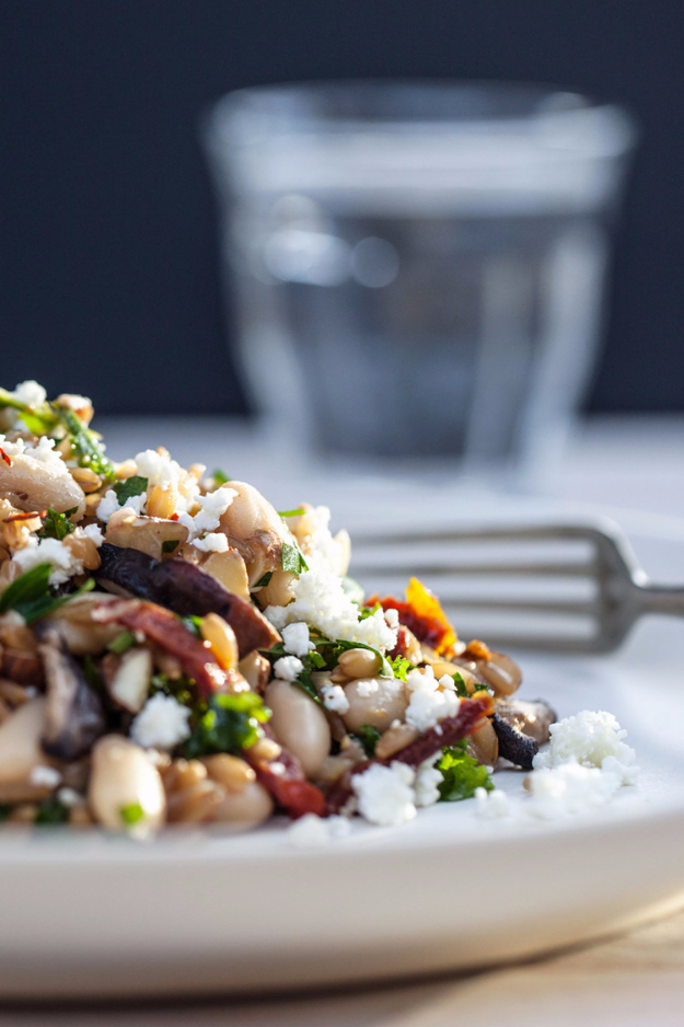 Healthy Lunch Ideas for Work - Farro Pilaf with Mushrooms, White Beans and Kale - Quick and Easy Recipes You Can Pack for Lunches at the Office - Lowfat and Simple Ideas for Eating on the Job - Microwave, No Heat, Mason Jar Salads, Sandwiches, Wraps, Soups and Bowls