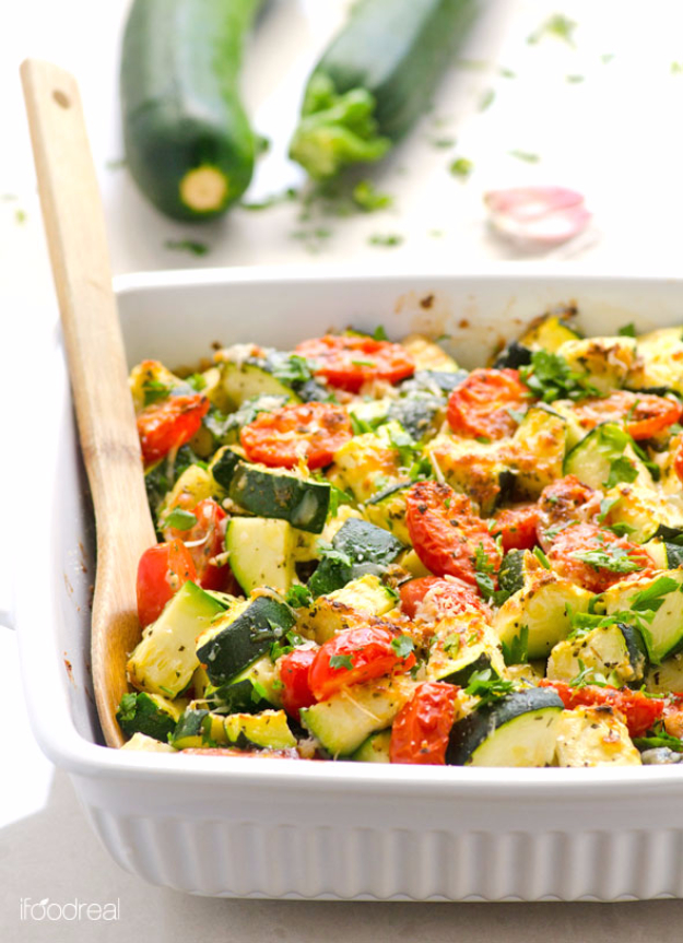 Quick and Healthy Dinner Recipes - Garlic Parmesan Zucchini and Tomato Bake - Easy and Fast Recipe Ideas for Dinners at Home - Chicken, Beef, Ground Meat, Pasta and Vegetarian Options - Cheap Dinner Ideas for Family, for Two , for Last Minute Cooking #recipes #healthyrecipes