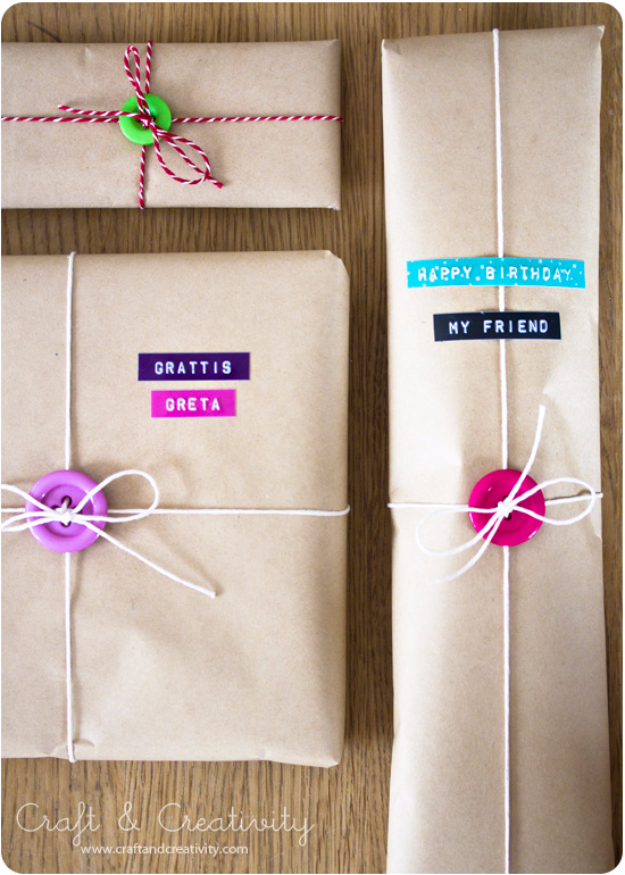 DIY Projects and Crafts Made With Buttons - Gift Wrap With Buttons - Easy and Quick Projects You Can Make With Buttons - Cool and Creative Crafts, Sewing Ideas and Homemade Gifts for Women, Teens, Kids and Friends - Home Decor, Fashion and Cheap, Inexpensive Fun Things to Make on A Budget http://diyjoy.com/diy-projects-buttons