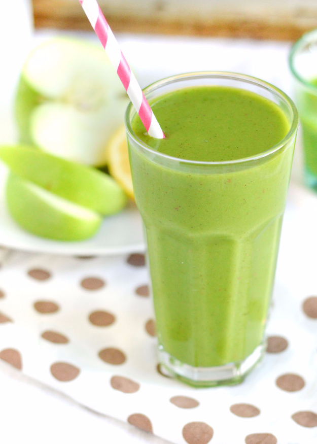 Healthy Smoothie Recipes - Green Apple Smoothie - Easy ideas perfect for breakfast, energy. Low calorie and high protein recipes for weightloss and to lose weight. Simple homemade recipe ideas that kids love. Quick EASY morning recipes before work and school, after workout #smoothies #healthy #smoothie #healthyrecipes #recipes
