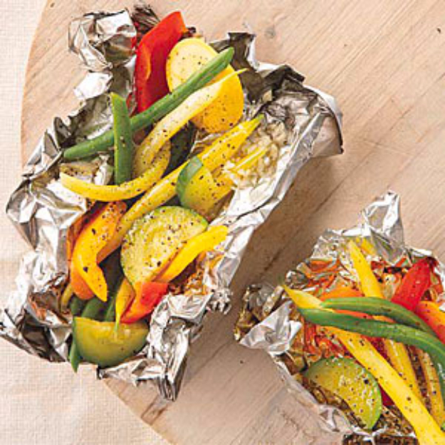 DIY Tin Foil Camping Recipes - Grilled Vegetables in Foil Packets - Tin Foil Dinners, Ideas for Camping Trips healthy Easy Make Ahead Recipe Ideas for the Campfire. Breakfast, Lunch, Dinner and Dessert, #recipes #camping