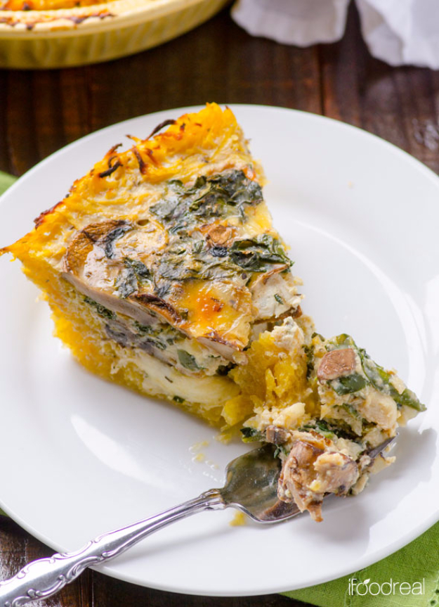 Healthy Lunch Ideas for Work - Kale and Mushroom Spaghetti Squash Quiche - Quick and Easy Recipes You Can Pack for Lunches at the Office - Lowfat and Simple Ideas for Eating on the Job - Microwave, No Heat, Mason Jar Salads, Sandwiches, Wraps, Soups and Bowls http://diyjoy.com/healthy-lunch-ideas-work