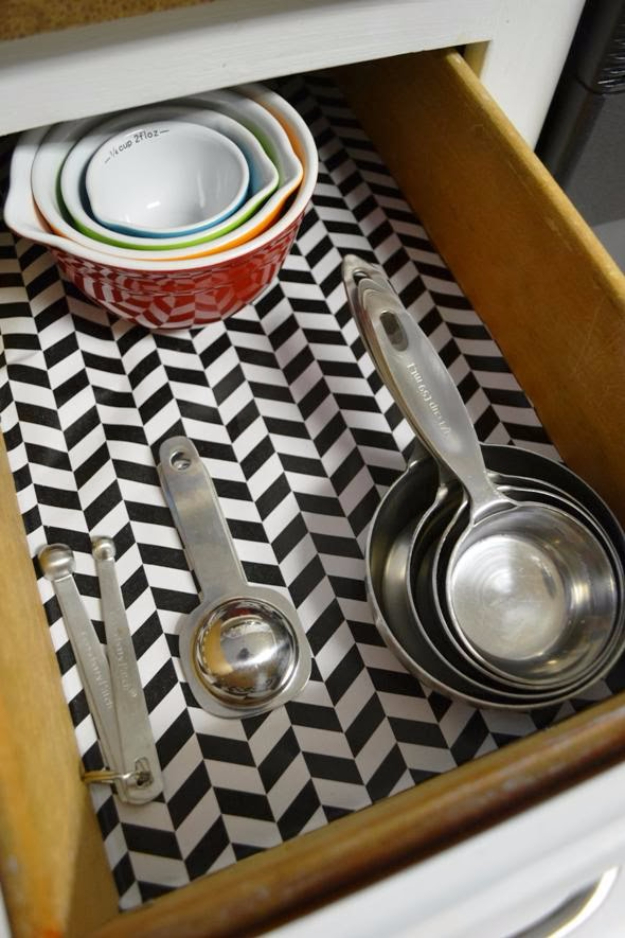 Best Organizing Ideas for the New Year - Kitchen Drawer Organization - Resolutions for Getting Organized - DIY Organizing Projects for Home, Bedroom, Closet, Bath and Kitchen - Easy Ways to Organize Shoes, Clutter, Desk and Closets - DIY Projects and Crafts for Women and Men