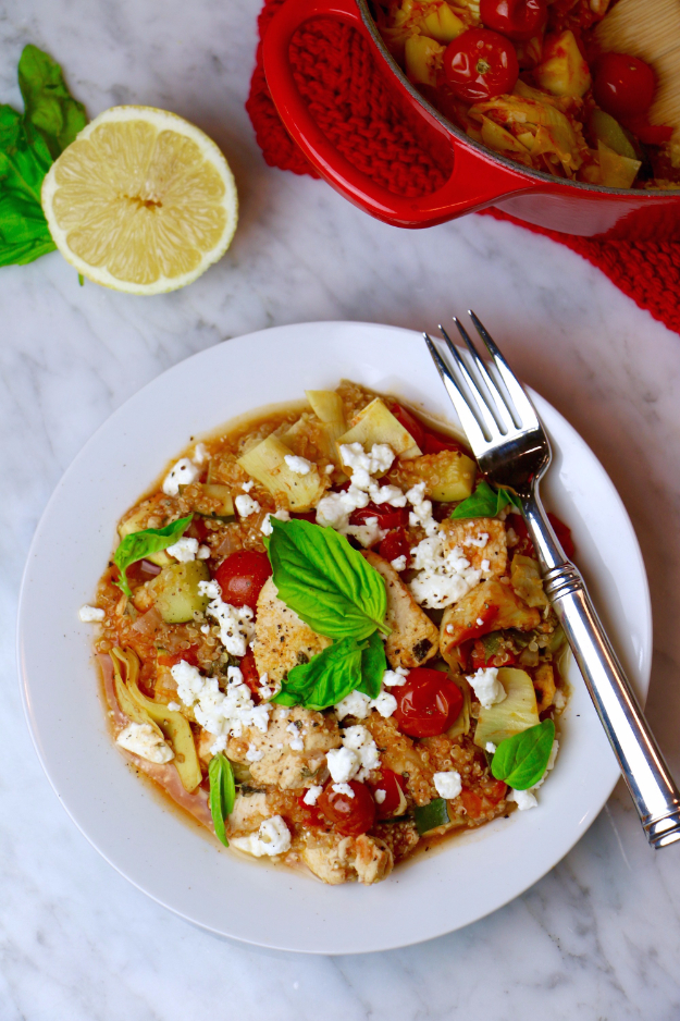 Quick and Healthy Dinner Recipes - One-Pot Mediterranean Quinoa Chicken - Easy and Fast Recipe Ideas for Dinners at Home - Chicken, Beef, Ground Meat, Pasta and Vegetarian Options - Cheap Dinner Ideas for Family, for Two , for Last Minute Cooking http://diyjoy.com/quick-healthy-dinner-recipes
