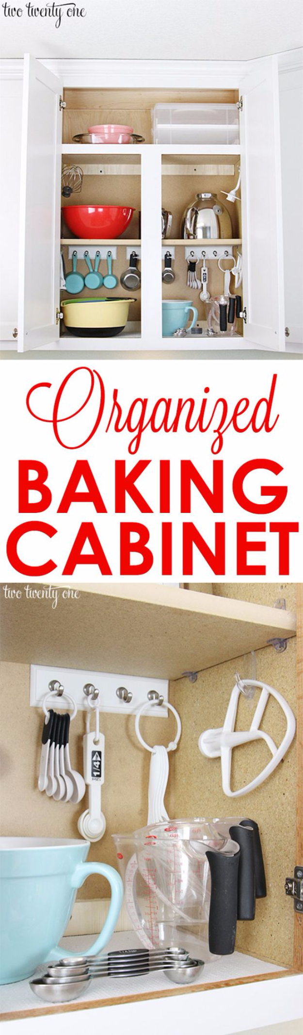 31 best diy organizing ideas for the new year for Ideas organizing kitchen cabinets
