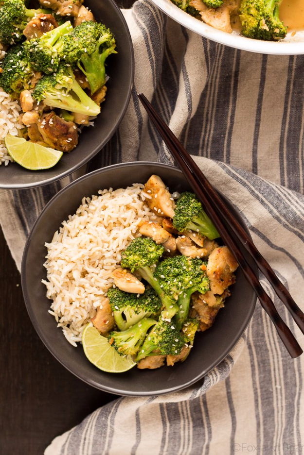 Quick and Healthy Dinner Recipes - Peanut Sauce Chicken And Broccoli Bowls - Easy and Fast Recipe Ideas for Dinners at Home - Chicken, Beef, Ground Meat, Pasta and Vegetarian Options - Cheap Dinner Ideas for Family, for Two , for Last Minute Cooking #recipes #healthyrecipes