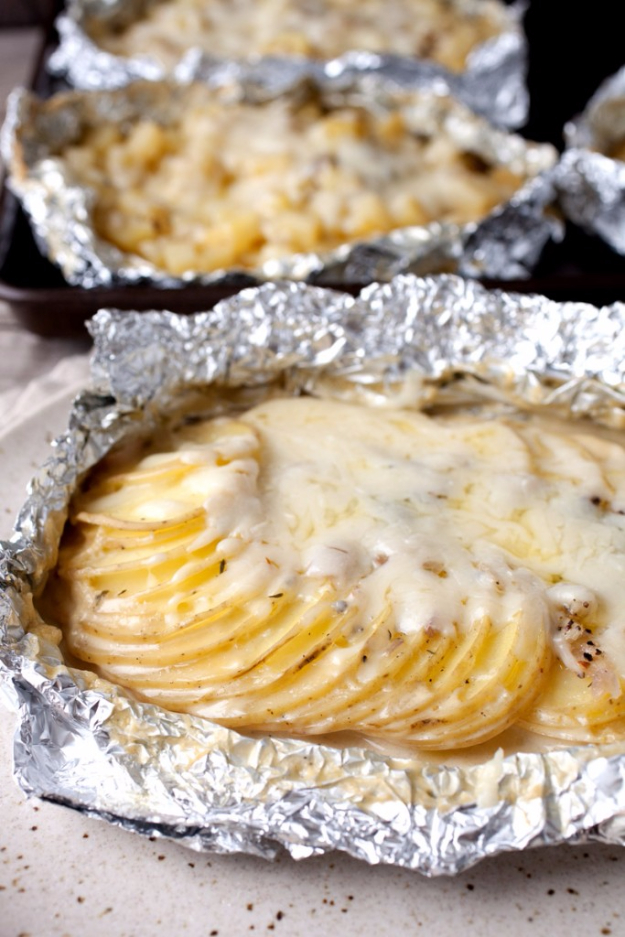 DIY Tin Foil Camping Recipes - Potatoes Au Gratin Foil Packets - Tin Foil Dinners, Ideas for Camping Trips healthy Easy Make Ahead Recipe Ideas for the Campfire. Breakfast, Lunch, Dinner and Dessert, #recipes #camping