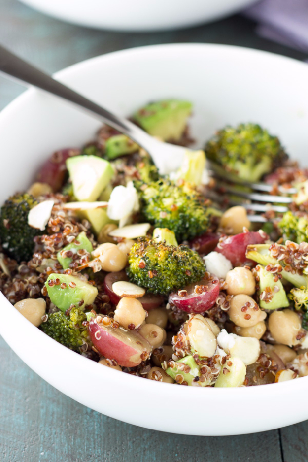 Healthy Lunch Ideas for Work - Quinoa And Roasted Broccoli Lunch Bowls - Quick and Easy Recipes You Can Pack for Lunches at the Office - Lowfat and Simple Ideas for Eating on the Job - Microwave, No Heat, Mason Jar Salads, Sandwiches, Wraps, Soups and Bowls http://diyjoy.com/healthy-lunch-ideas-work