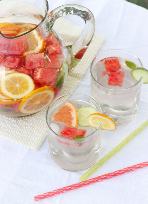 Best DIY Detox Waters and Recipes - Refreshing Vitamin Water - Homemade Detox Water Instructions and Tutorials - Lose Weight and Remove Toxins From the Body for Your New Years Resolutions - Easy and Quick Recipe Ideas for Getting Healthy in 2017 - DIY Projects and Crafts by DIY Joy