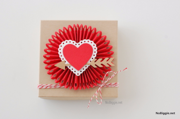 Best DIY Valentines Day Gifts - Rosette Heart Box - Cute Mason Jar Valentines Day Gifts and Crafts for Him and Her | Boyfriend, Girlfriend, Mom and Dad, Husband or Wife, Friends - Easy DIY Ideas for Valentines Day for Homemade Gift Giving and Room Decor | Creative Home Decor and Craft Projects for Teens, Teenagers, Kids and Adults