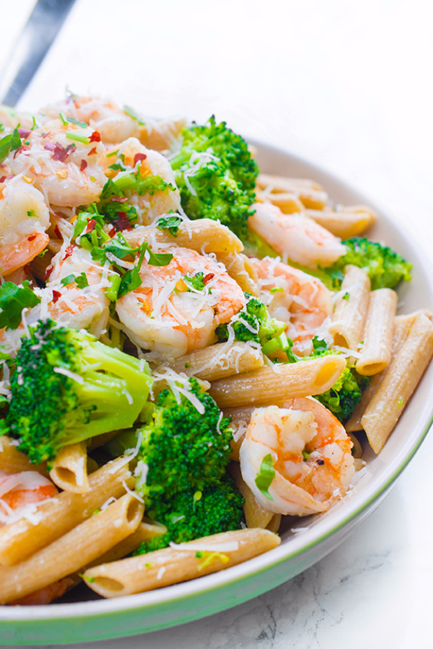 Quick and Healthy Dinner Recipes - Shrimp And Broccoli Penne - Easy and Fast Recipe Ideas for Dinners at Home - Chicken, Beef, Ground Meat, Pasta and Vegetarian Options - Cheap Dinner Ideas for Family, for Two , for Last Minute Cooking #recipes #healthyrecipes