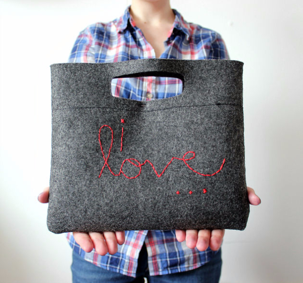 DIY Purses and Handbags - Simple DIY Felt Purses - Homemade Projects to Decorate and Make Purses - Add Paint, Glitter, Buttons and Bling To Your Hand Bags and Purse With These Easy Step by Step Tutorials - Boho, Modern, and Cool Fashion Ideas for Women and Teens #purses #diyclothes #handbags