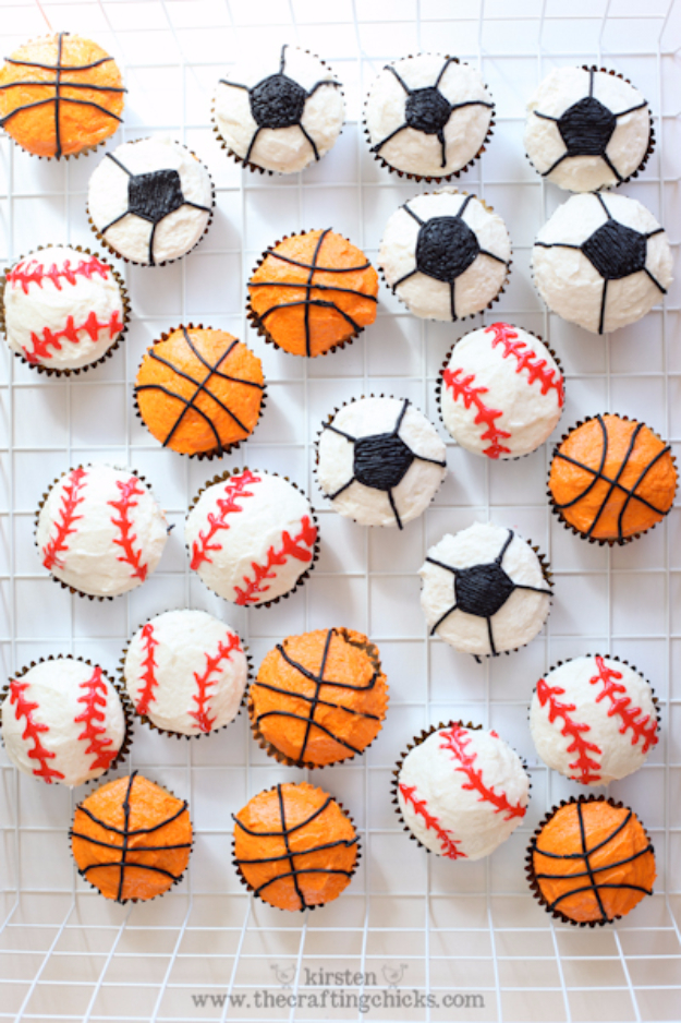 DIY Projects for the Sports Fan - Sports Birthday Party - Crafts and DIY Ideas for Men - Football, Baseball, Basketball, Soccer and Golf - Wall Art, DIY Gifts, Easy Gift Ideas, Room and Home Decor http://diyjoy.com/diy-ideas-sports-fan