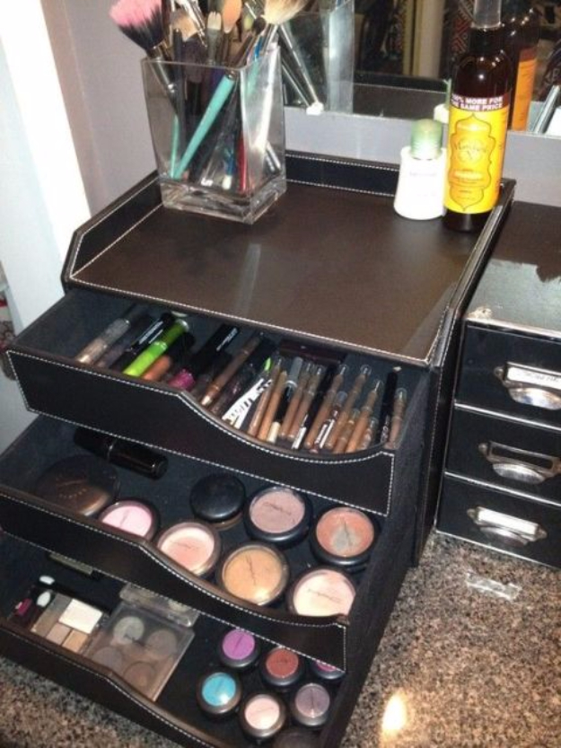 Best Organizing Ideas for the New Year - Store Your Makeup in a Desk Organizer - Resolutions for Getting Organized - DIY Organizing Projects for Home, Bedroom, Closet, Bath and Kitchen - Easy Ways to Organize Shoes, Clutter, Desk and Closets - DIY Projects and Crafts for Women and Men