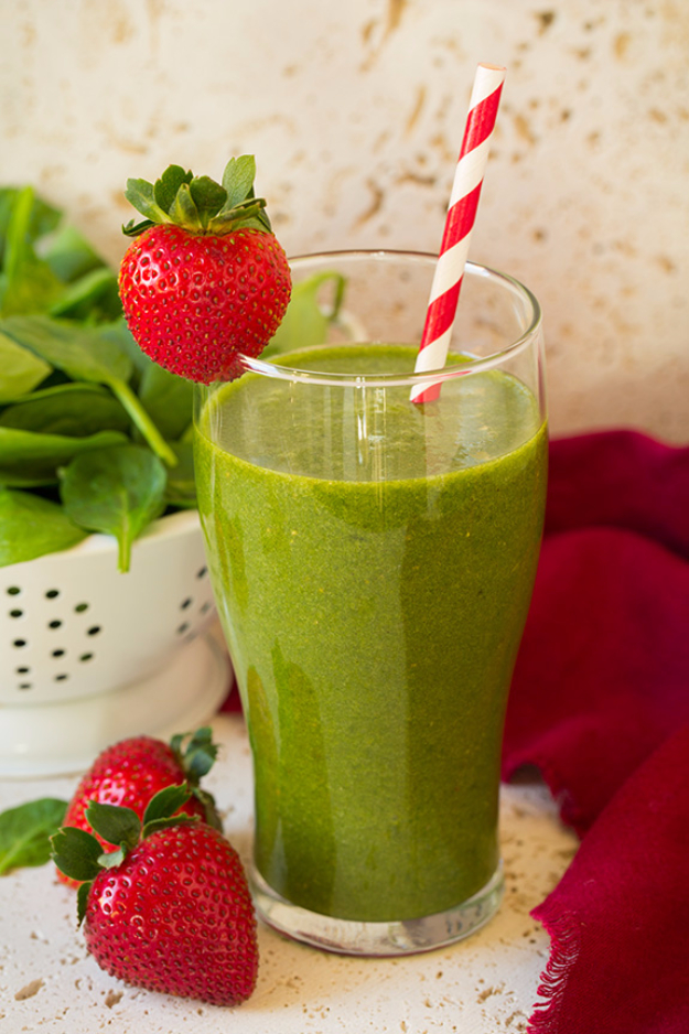 Healthy Smoothie Recipes - Easy Fruit Smoothies to Make For Breakfast -Strawberry Spinach Green Smoothie Recipe - Easy ideas perfect for breakfast, energy. Low calorie and high protein recipes EASY morning RECIPES to drink before work and school, after gym #smoothies #healthy #smoothie #healthyrecipes #recipes