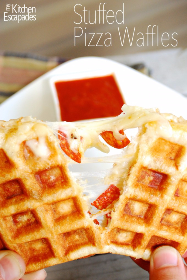 Waffle Iron Hacks and Easy Recipes for Waffle Irons - Stuffed Pizza Waffles - Quick Ways to Make Healthy Meals in a Waffle Maker - Breakfast, Dinner, Lunch, Dessert and Snack Ideas - Homemade Pizza, Cinnamon Rolls, Egg, Low Carb, Sandwich, Bisquick, Savory Recipes and Biscuits #diy #waffle #hacks