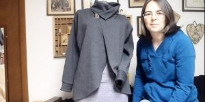 Watch How She Changes Up This Plain Sweatshirt Into An Amazing Fashion Statement!