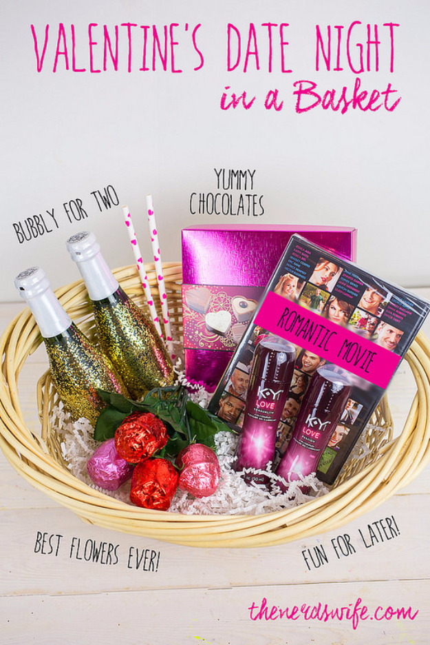 DIY Date Night Ideas - Valentines Date Night In A Basket - Creative Ways to Go On Inexpensive Dates - Creative Ways for Couples to Spend Time Together - Cute Kits and Cool DIY Gift Ideas for Men and Women - Cheap Ways to Have Fun With Your Husbnad or Wife, Girlfriend or Boyfriend - Valentines Day Date Ideas http://diyjoy.com/diy-date-night-ideas
