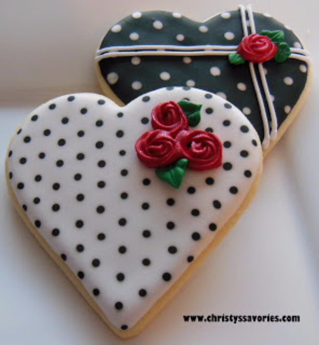 DIY Valentines Day Cookies - Valentine's Day Heart Cookies - Easy Cookie Recipes and Recipe Ideas for Valentines Day - Cute DIY Decorated Cookies for Kids, Homemade Box Cookies and Bouquet Ideas - Sugar Cookie Icing Tutorials With Step by Step Instructions - Quick, Cheap Valentine Gift Ideas for Him and Her http://diyjoy.com/diy-valentines-day-cookie-recipes
