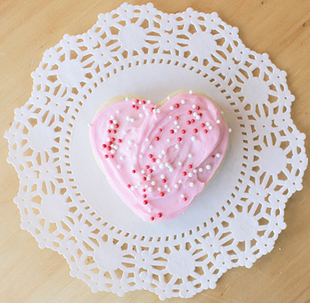 DIY Valentines Day Cookies - Valentine's Day Sour Cream Cookies - Easy Cookie Recipes and Recipe Ideas for Valentines Day - Cute DIY Decorated Cookies for Kids, Homemade Box Cookies and Bouquet Ideas - Sugar Cookie Icing Tutorials With Step by Step Instructions - Quick, Cheap Valentine Gift Ideas for Him and Her http://diyjoy.com/diy-valentines-day-cookie-recipes