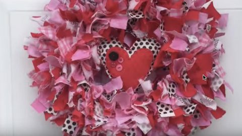 She Uses Her Left Over Scraps To Make This Absolutely Darling Valentines Day Wreath! | DIY Joy Projects and Crafts Ideas