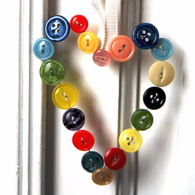 DIY Projects and Crafts Made With Buttons - Vintage Button Heart - Easy and Quick Projects You Can Make With Buttons - Cool and Creative Crafts, Sewing Ideas and Homemade Gifts for Women, Teens, Kids and Friends - Home Decor, Fashion and Cheap, Inexpensive Fun Things to Make on A Budget