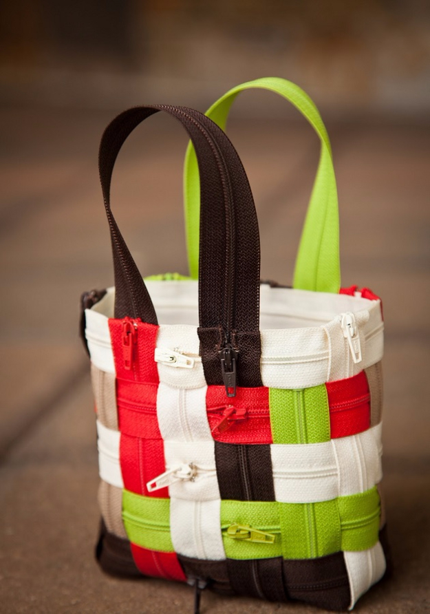 DIY Purses and Handbags - Wonderful Zipper Bag - Homemade Projects to Decorate and Make Purses - Add Paint, Glitter, Buttons and Bling To Your Hand Bags and Purse With These Easy Step by Step Tutorials - Boho, Modern, and Cool Fashion Ideas for Women and Teens #purses #diyclothes #handbags