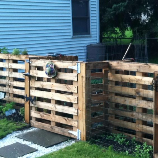 DIY Fences and Gates - Amazing DIY Pallet Fence - How To Make Easy Fence and Gate Project for Backyard and Home - Step by Step Tutorial and Ideas for Painting, Updating and Making Fences and DIY Gate - Cool Outdoors and Yard Projects