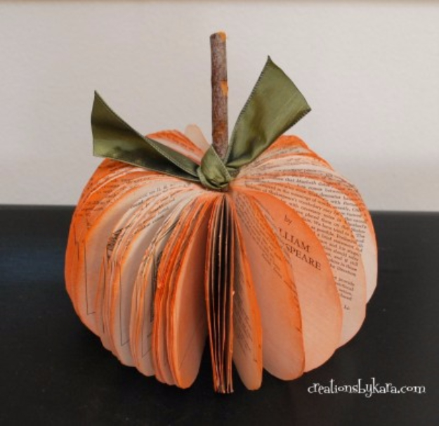DIY Projects Made With Old Books - Book Page Pumpkin - Make DIY Gifts, Crafts and Home Decor With Old Book Pages and Hardcover and Paperbacks - Easy Shelving, Decorations, Wall Art and Centerpieces with BOOKS