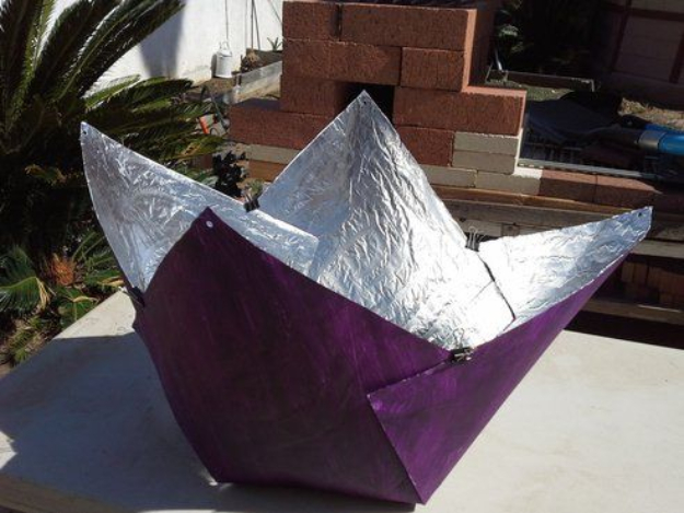 DIY Solar Powered Projects - Build a solar cooker for just $5 - Easy Solar Crafts and DYI Ideas for Making Solar Power Things You Can Use To Save Energy - Step by Step Tutorials for Making Things Without Batteries - DIY Projects and Crafts for Men and Women
