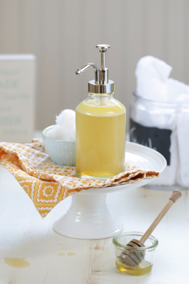 DIY Beauty Ideas and Recipes for Products You Can Make At Home - DIY Homemade Honey Face Wash - Easy Tutorials and Recipe Ideas for Face, Skin, Hair, Makeup, Lips - 3 Ingredient, Coconut Oil, Cheap Knock Offs, Baking Soda and Natural Product - Cool Homemade Gifts for Teens and Women