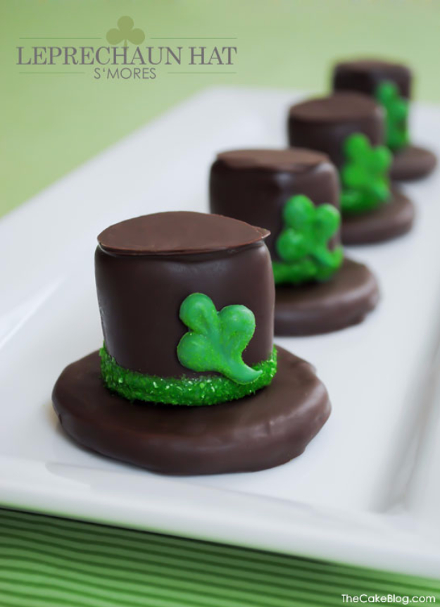 DIY St Patricks Day Ideas - DIY Leprechaun Hat S'mores - Food and Best Recipes, Decorations and Home Decor, Party Ideas - Cupcakes, Drinks, Festive St Patrick Day Parties With these Easy, Quick and Cool Crafts and DIY Projects http://diyjoy.com/st-patricks-day-ideas