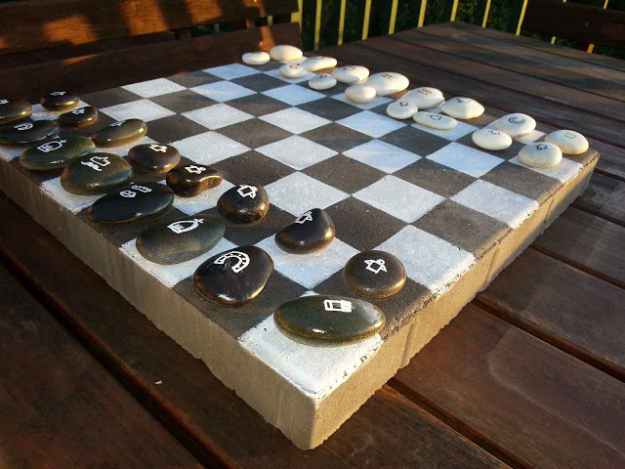 Pebble and Stone Crafts - DIY Outdoor Chess Game - DIY Ideas Using Rocks, Stones and Pebble Art - Mosaics, Craft Projects, Home Decor, Furniture and DIY Gifts You Can Make On A Budget #crafts