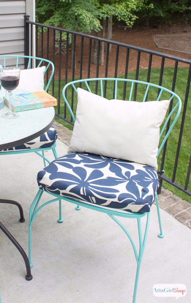 Sewing Projects for The Patio - DIY Porch Cushions - Step by Step Instructions and Free Patterns for Cushions, Pillows, Seating, Sofa and Outdoor Patio Decor - Easy Sewing Tutorials for Beginners - Creative and Cheap Outdoor Ideas for Those Who Love to Sew - DIY Projects and Crafts by DIY JOY http://diyjoy.com/sewing-projects-patio