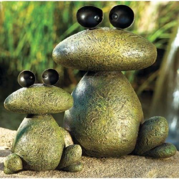 Pebble and Stone Crafts - DIY Rock Animals - DIY Ideas Using Rocks, Stones and Pebble Art - Mosaics, Craft Projects, Home Decor, Furniture and DIY Gifts You Can Make On A Budget #crafts