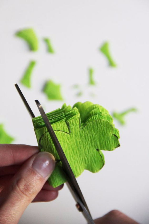 DIY St Patricks Day Ideas - DIY Shamrock Streamers - Food and Best Recipes, Decorations and Home Decor, Party Ideas - Cupcakes, Drinks, Festive St Patrick Day Parties With these Easy, Quick and Cool Crafts and DIY Projects http://diyjoy.com/st-patricks-day-ideas