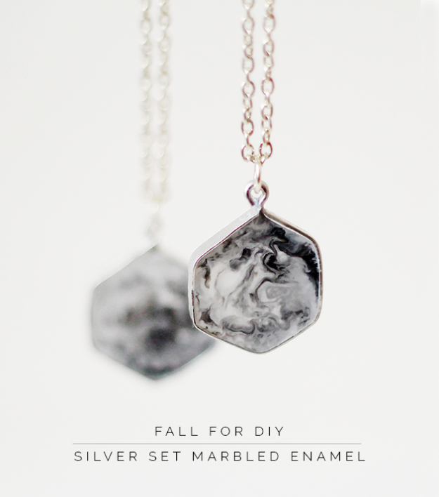 DIY Faux Marble Ideas - DIY Silver Set Marbled Enamel - Easy Crafts and DIY Projects With Faux Marbling Tutorials - Paint and Decorate Home Decor, Creative DIY Gifts and Office Accessories