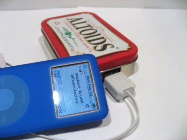 DIY Solar Powered Projects - Easy Solar USB Charger With An Altoids Tin - Easy Solar Crafts and DYI Ideas for Making Solar Power Things You Can Use To Save Energy - Step by Step Tutorials for Making Things Without Batteries - DIY Projects and Crafts for Men and Women