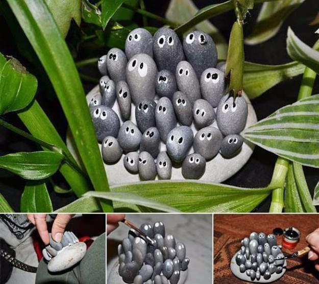 Pebble and Stone Crafts - Family Of Little Rocks - DIY Ideas Using Rocks, Stones and Pebble Art - Mosaics, Craft Projects, Home Decor, Furniture and DIY Gifts You Can Make On A Budget #crafts