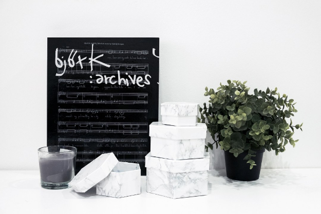DIY Faux Marble Ideas - Faux Marble Hexagon Box - Easy Crafts and DIY Projects With Faux Marbling Tutorials - Paint and Decorate Home Decor, Creative DIY Gifts and Office Accessories