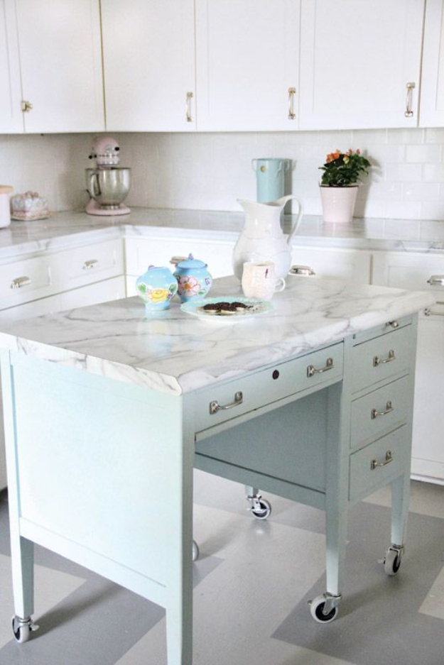 DIY Faux Marble Ideas - Faux Marble Kitchen Island - Easy Crafts and DIY Projects With Faux Marbling Tutorials - Paint and Decorate Home Decor, Creative DIY Gifts and Office Accessories