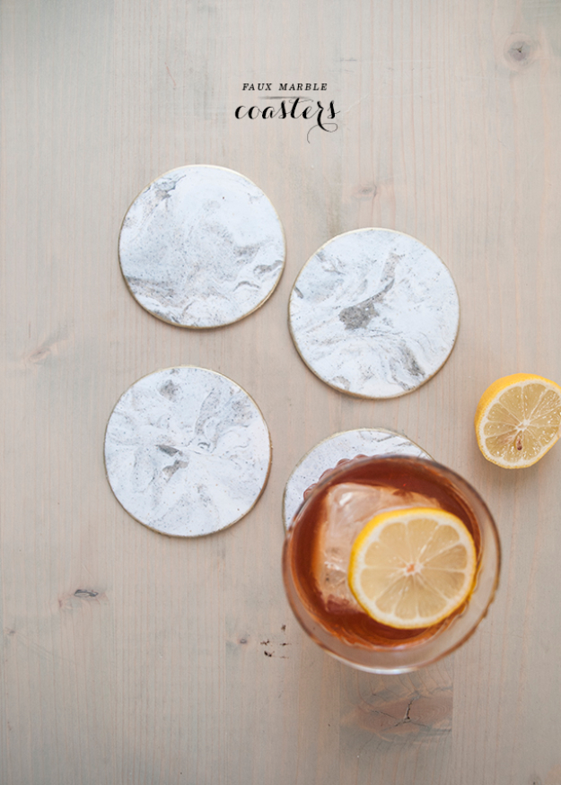 DIY Faux Marble Ideas - Gold Rimmed Faux Marble Coasters - Easy Crafts and DIY Projects With Faux Marbling Tutorials - Paint and Decorate Home Decor, Creative DIY Gifts and Office Accessories