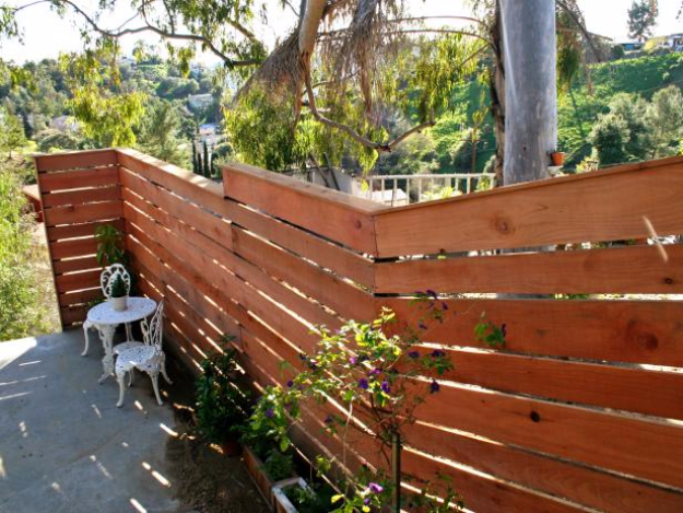 DIY Fences and Gates - Horizontal Plank Fence - How To Make Easy Fence and Gate Project for Backyard and Home - Step by Step Tutorial and Ideas for Painting, Updating and Making Fences and DIY Gate - Cool Outdoors and Yard Projects