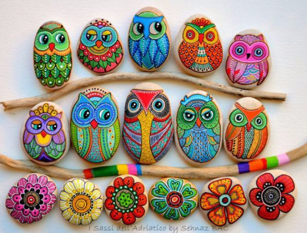 Pebble and Stone Crafts - Painted Owl Stones - DIY Ideas Using Rocks, Stones and Pebble Art - Mosaics, Craft Projects, Home Decor, Furniture and DIY Gifts You Can Make On A Budget #crafts
