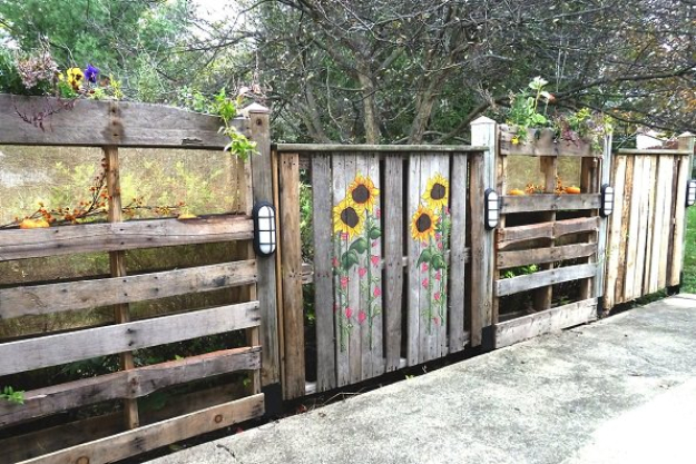 DIY Fences and Gates - Pallets Patio Fence - How To Make Easy Fence and Gate Project for Backyard and Home - Step by Step Tutorial and Ideas for Painting, Updating and Making Fences and DIY Gate - Cool Outdoors and Yard Projects http://diyjoy.com/diy-fences-gates